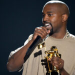 EEUU.- Tras escándalos hospitalizan de emergencia al rapero Kanye West