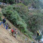 India: Al menos 16 muertos y 28 heridos al caer un autobús a río