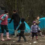 ONU critica a Francia y Reino Unido por maltrato a niños migrantes