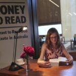 """""""El Quijote"""": Pagan a madre australiana de 4 hijos para que lea obra"""