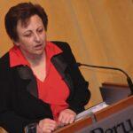 Nobel de la Paz 2003 pide más educación para cese de violencia machista