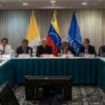 "Venezuela: Unión Europea aplaude ""crucial"" diálogo y pide que siga en clima positivo"