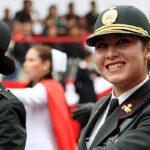 Cirujana y abogada se convierten en primeras generales de la PNP