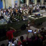 Restos de Fidel Castro llegan a Santiago de Cuba, cuna de la revolución