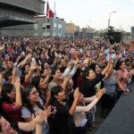 Emotiva despedida del ministro Saavedra de sus trabajadores