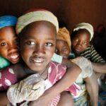 Kenia: Decenas de niñas se refugian en 2 colegios para evitar la ablación