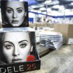 """""""25"""" de Adele bate a """"Lemonade"""" de Beyoncé como el disco más vendido de 2016"""