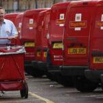Reino Unido: Carteros seunen a paros de ferroviarios y aerolíneas
