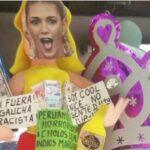 Piñatas de modelo argentina acusada de racismo se quemarán en Nochevieja