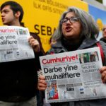 Tribunal turco decreta prisión preventiva para periodista crítico con el gobierno