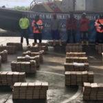 Colombia: Incautan cerca de tonelada y media de cocaína en dos embarcaciones