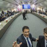 La OPEP dispara el precio del petróleo al reducir su bombeo