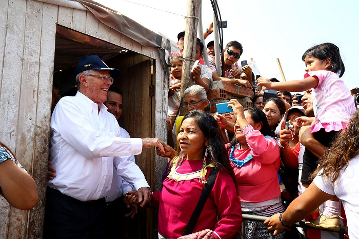 Presidente Kuczynski visitó la comunidad indígena Shipibo –
