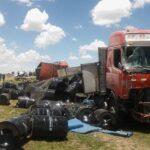 Al menos 8 muertos tras choque entre camioneta y tráiler en el sur del Perú