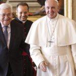 Presidente palestino regala una piedra del Gólgota al Papa tras su reunión