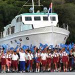 Cuba: Réplica del yate Gramma en gran desfile militar y cívico en la isla
