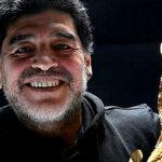 Maradoma: El Más Grande se reencontró con la Copa FIFA (Video)