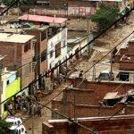 Autoridades reportan más de 100 viviendas inundadas por huaico