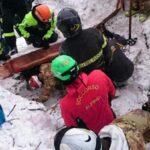 Ascienden a 24 los fallecidos en hotel sepultado por un alud en Italia