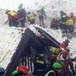 Ascienden a 16 los fallecidos en el hotel italiano sepultado por un alud
