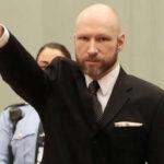 Noruega: Autor de 77 asesinatos retó a tribunal con saludo nazi  (VIDEO)