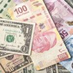 El dólar pierde terreno frente al euro y el resto de principales divisas