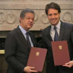 Ecuador y la OEA suscriben acuerdo de inmunidad para veedores electorales