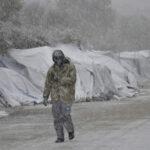 UE: Miles de refugiados atrapados en campamentos por el frío y nieve (VIDEO)
