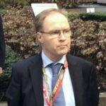 Embajador británico en la UE dimite tres meses antes del brexit