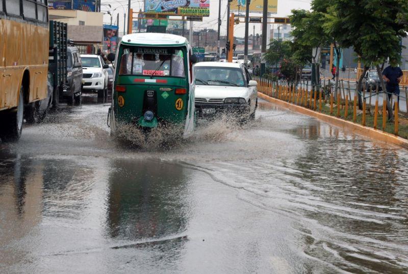 Cuatro puntos críticos de aniego por lluvia en Lima — Sedapal