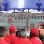 """Maduro juramenta nueva directiva de PDVSA para """"curar heridas económicas"""""""