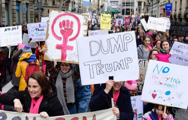 Resultado de imagen para actriz julianne moore  marcha de las mujeres