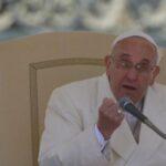 Papa pide afrontar con determinación corrupción, extorsión y las tratas