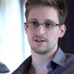 """Gobierno ruso extiende asilo a Edward Snowden """"un par de años"""""""