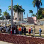 Cuba: Dos mil personas diarias visitan la tumba de Fidel Castro