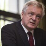 """Ministro del """"brexit"""" pide prepararse para falta de acuerdo con Bruselas"""