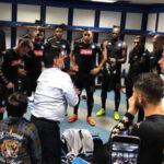 Champions League: De nada sirviócharla motivacional de Maradona al Nápoli