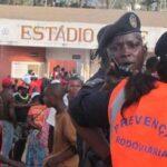 Tragedia en el fútbol de Angola: 17 mueren en avalancha y 76 quedan heridos
