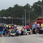EEUU: Auto atropella en un desfile de carnaval y deja 11 heridos, 3 graves (VIDEO)