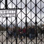 """Vuelve a campo nazi de Dachau portalón robado con lema """"el trabajo libera"""""""