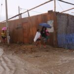 Arequipa: Ministro de Defensa lleva ayuda a damnificados