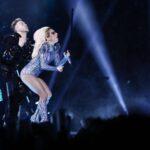 EEUU: Lady Gaga redondea en la Super Bowl una actuación vibrante