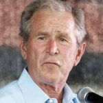 George W. Bush defiende papel de la prensa para denunciar abusos de poder