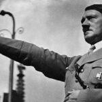 Investigan a un individuo por emular a Hitler en su ciudad natal