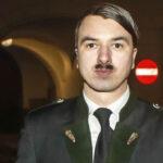 "Austria: Arrestan al ""doble"" de Adolf Hitler por promover ideología nazi"