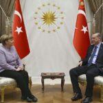 Merkel expresa a Erdogan su preocupación por libertad de prensa en Turquía