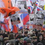 Rusia: Miles claman justicia en segundo aniversario de asesinato de Nemtsov