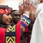 Papa insta a gobiernos valorar y consultar a comunidades indígenas (VIDEO)