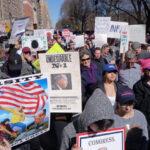 Marchas de protesta contra Trump en Día de los Presidentes (VIDEO)