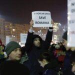 Gobierno rumano tras protestas retira decreto que despenaliza corrupción
